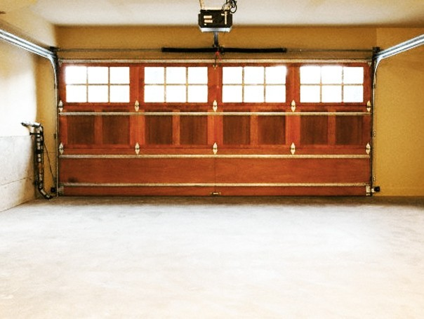 Garage door repair for noisy doors titan doors and gates for Garage door installation fort worth